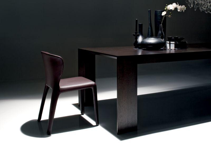Chaise contemporaine en cuir